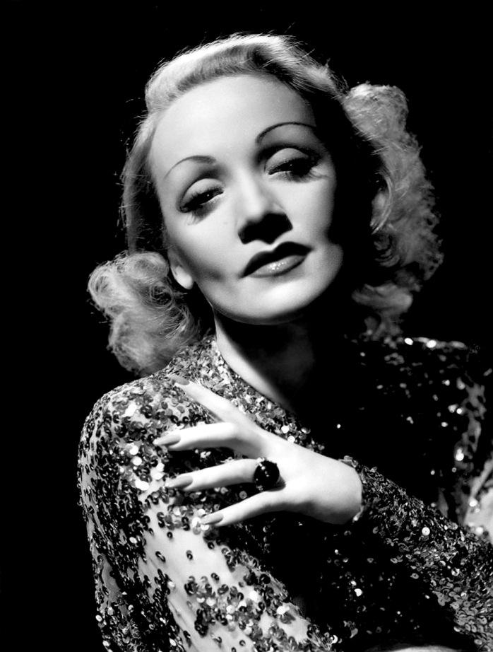 Marlene Dietrich, 1930's