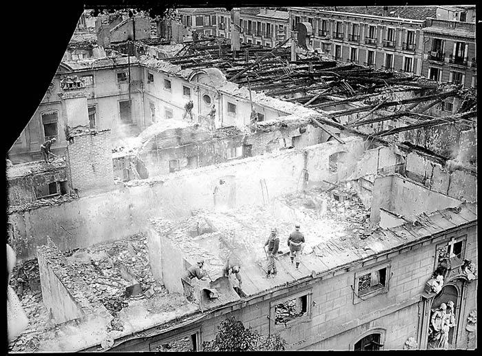 Incendio-1915.-Foto-Alfonso.-Archivo-General-de-la-Administración-AGA-3